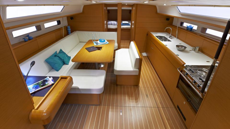 47-3-cabin-inside