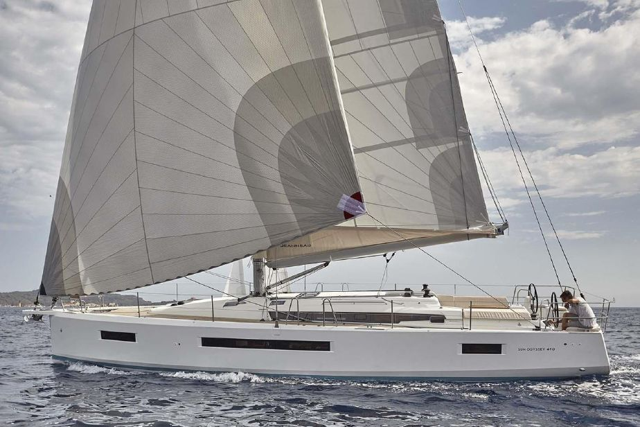 Sun-Odyssey-490-2